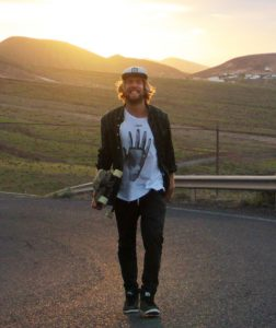 Skate-Coach and proffesional Longboarder Carl Foelster