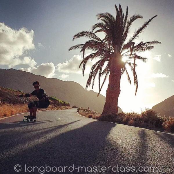 Mit dem Longboard in den Abenteuer Urlaub.