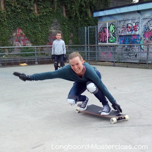 Sliden lernen im Longboard Kurs in Hamburg