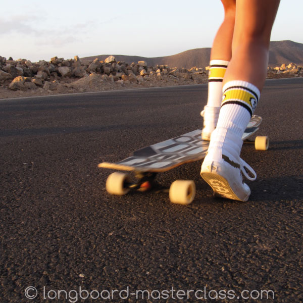 Tipps und Tricks, um das Longboard schnell und sicher zu pushen.