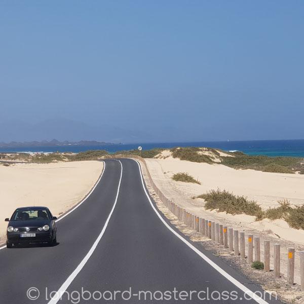 Mit dem Bus, dem Shuttle oder Taxi vom Flughafen Fuerteventura nach El Cotillo.