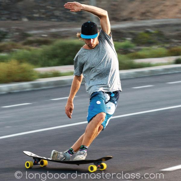 Crossteps auf dem Longboard lernen - im Skateboard Workshop Konstanz