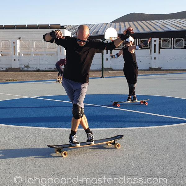 Longboarden lernen über 40 im Unterricht für Erwachsene