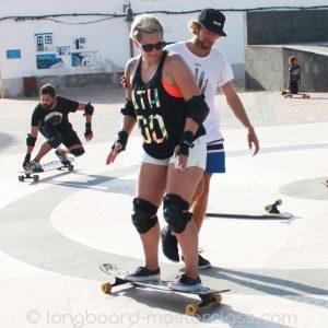 Longboard fahren lernen im Anfängerkurs im Skatepark Fulda