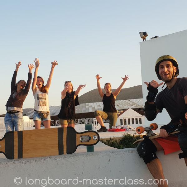 Longboard Gruppe während eines Privatunterrichts in Innsbruck