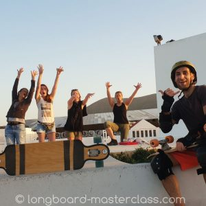 Longboarden in Stralsund - in der Gruppe macht es am meisten Spaß.